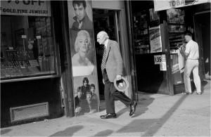 straatbeeld ny met foto elvis
